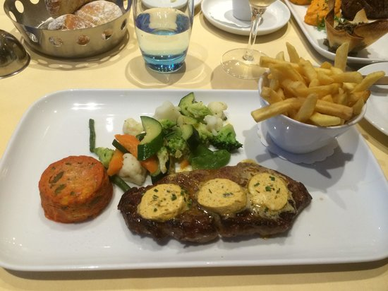 Movenpick Hotel Lausanne : Fillet Steak cafe de paris butter
