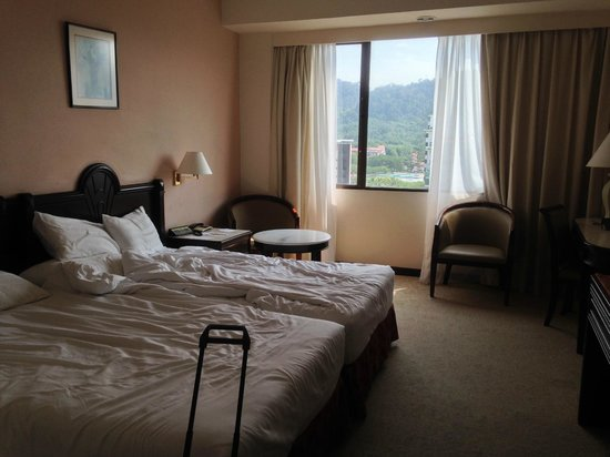 Bayview Hotel Langkawi: Twin room with hillview