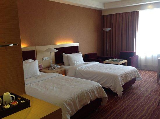 Azadi Grand Hotel: das Zimmer