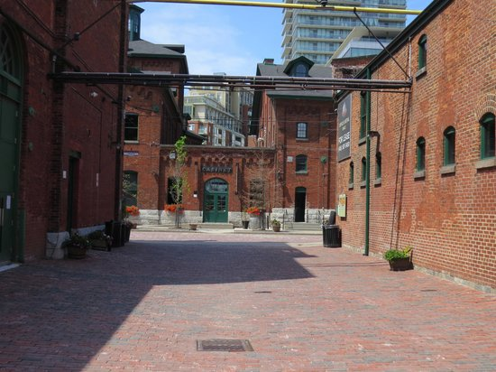 Distillery Historic District: The old buildings