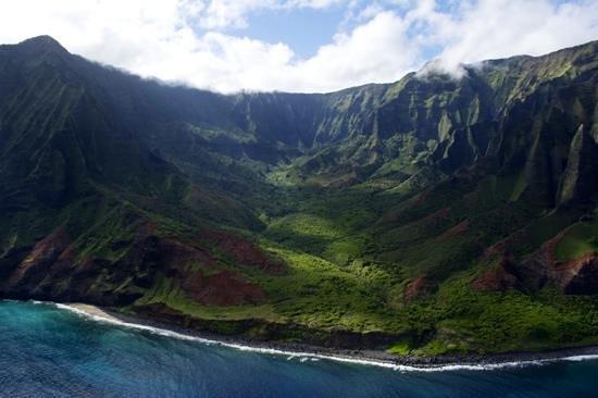 Mauna Loa Helicopter Tours : canyon