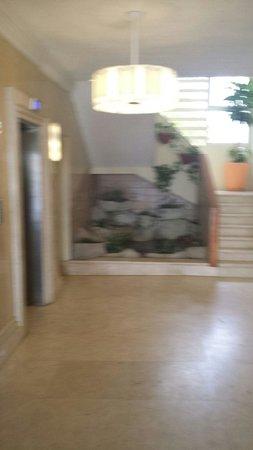 Brickell Bay Beach Club & Spa : hotel lobby