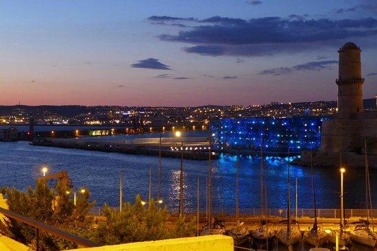 Sofitel Marseille Vieux-Port : Abendstimmung