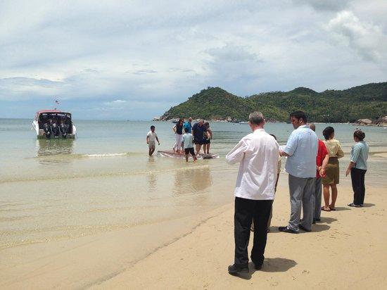 Buri Rasa Koh Phangan: Speed boat transportation