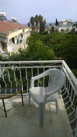 Riverside Garden Resort: balcony