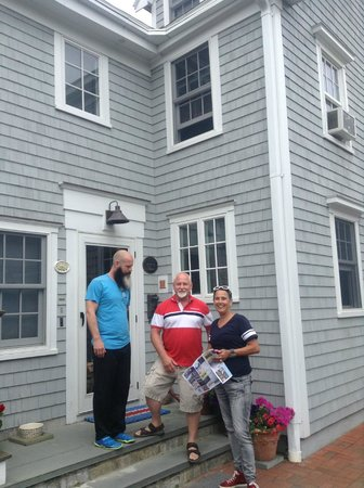 Revere Guest House : Gary David and Leora