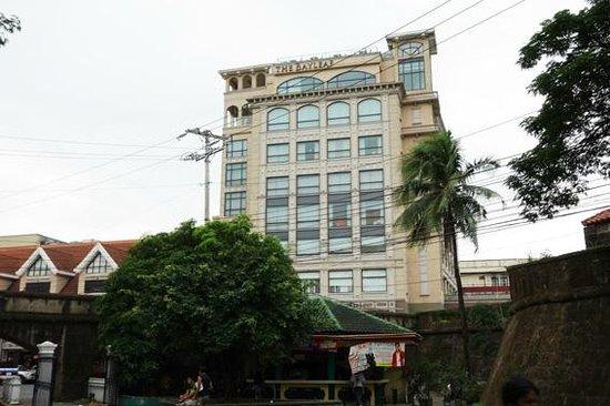 The Bayleaf Intramuros: ホテル外観