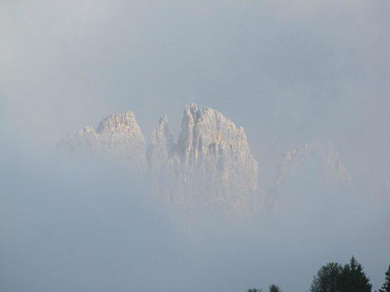 Passo Falzarego: Falzarego fra la nebbia!