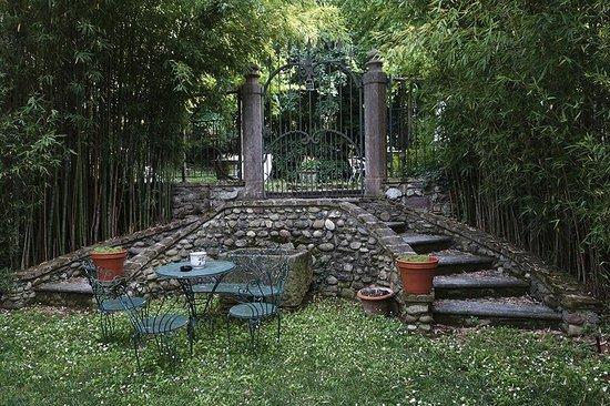 Agriturismo Solimago: Romatische Ecke im Garten