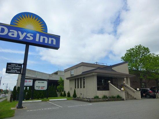 Days Inn Niagara Falls Fallsview : hôtel