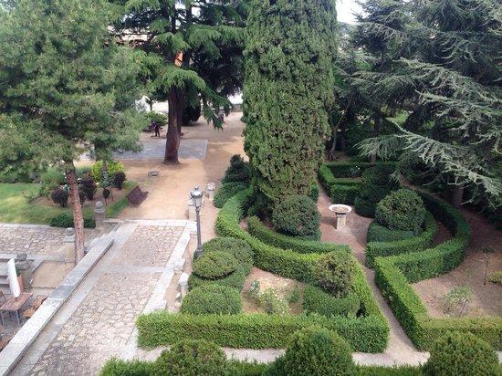 Parador de Avila : Garden room view