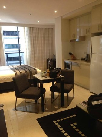 Meriton Suites Pitt Street, Sydney : As you enter from the front door