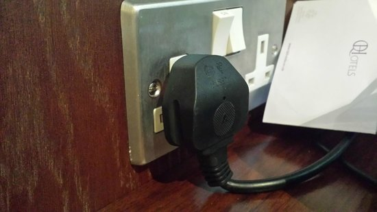 Norton Park - A QHotel: STUPID SOCKET!