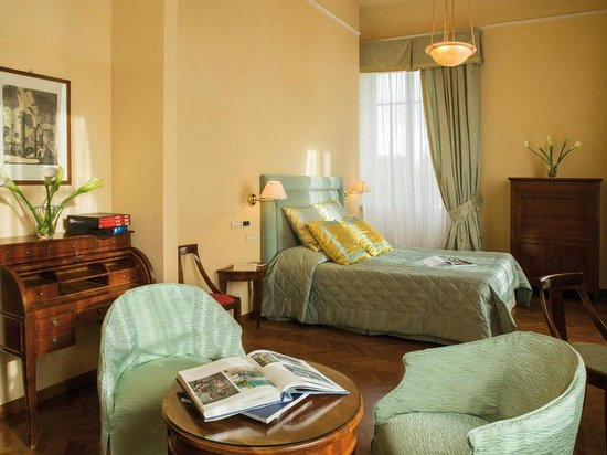 Plaza e De Russie Hotel : Junior Suite room