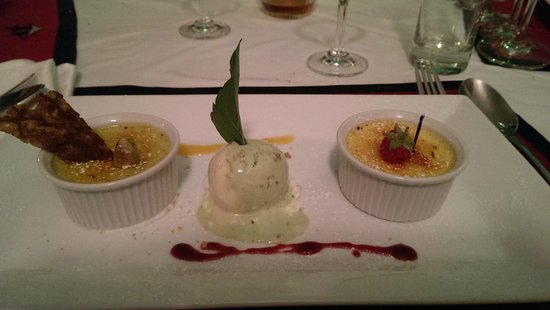 Trois Gourmands: Duo of cremes brulees
