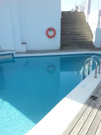 Hotel Ridomar: Quite deep, small shallow pool and a spa tub