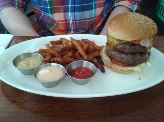 Sokkelund Cafe & Brasserie : Sokkelund Burger