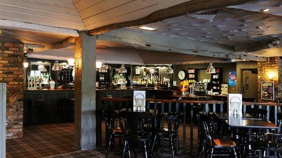 Village Hotel Birmingham Dudley: Village Pub
