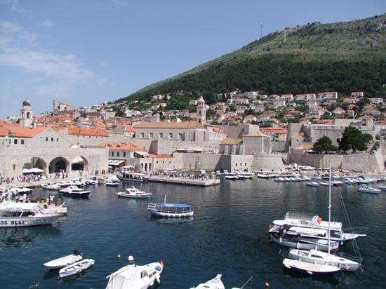 Remparts : The old harbour inside the city walls