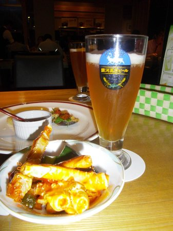Sawauchi Gingakogen Hotel: ビールとカニのチリソース