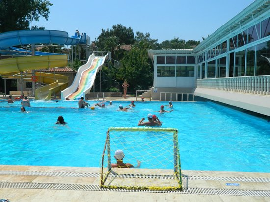 Carelta Beach Resort and Spa: Водное поло.