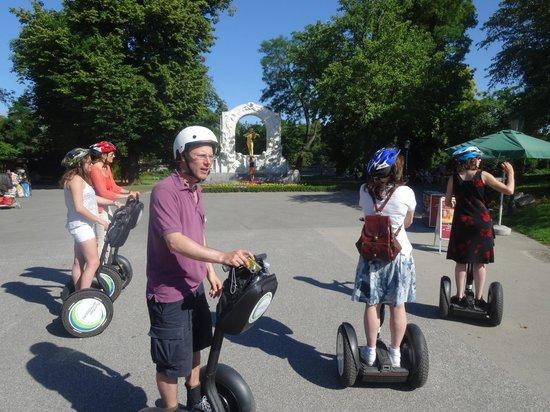 Pedal Power Bike and Segway: Vor Richard Strauß im Stadtpark