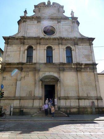 Chiesa di San Maurizio al Monastero Maggiore: Exterior