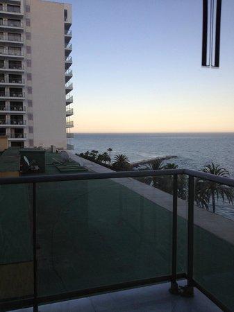 THB Torrequebrada Hotel: Vistas al mar y a la terraza