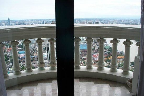 lebua at State Tower: Balcony