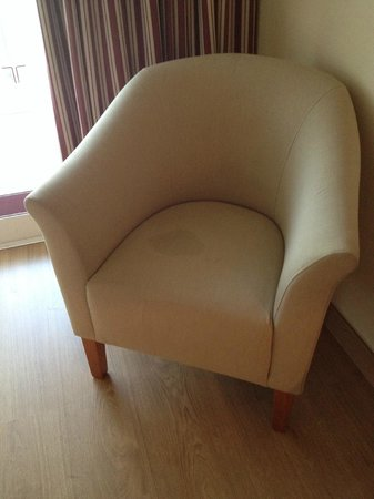 Estival Torrequebrada Hotel: Mancha en sofá