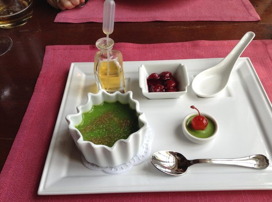 Café Pushkin : pistacchio creme brulee