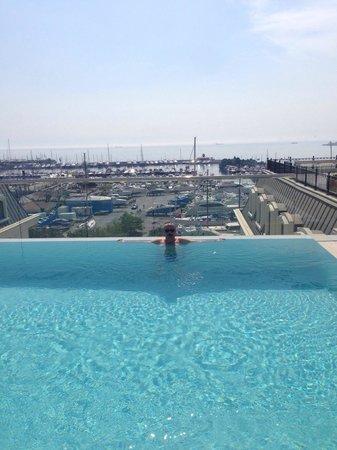 Wyndham Grand Istanbul Kalamis Marina Hotel: Marina manzarasi eşliginde mukemmel bi keyifti:)