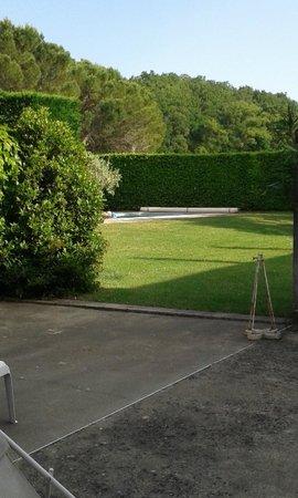 La Piverdiere : espace détente piscine