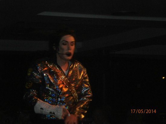 MedPlaya Hotel Rio Park: Michael Jackson tribute show.
