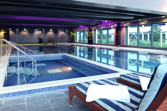 swimming pool picture of village hotel farnborough farnborough tripadvisor