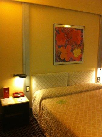 Art Hotel Museo : letto