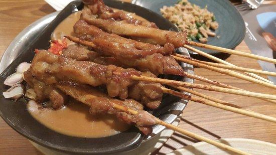 Satay Khas Senayan : A must-try Sate Ayam