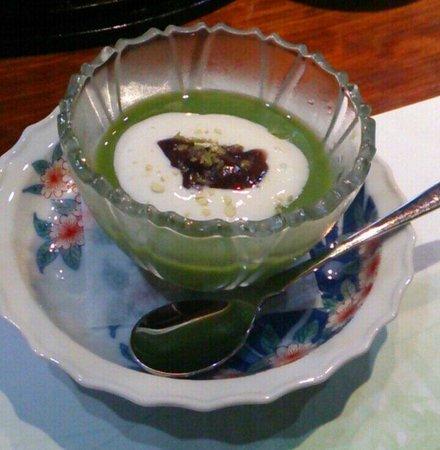 Imari Kikunami: デザートの抹茶プリン