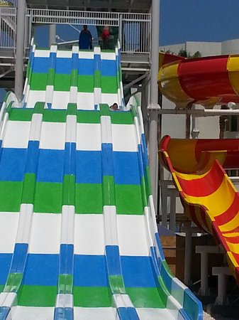 Laura Beach Hotel: Water park slides