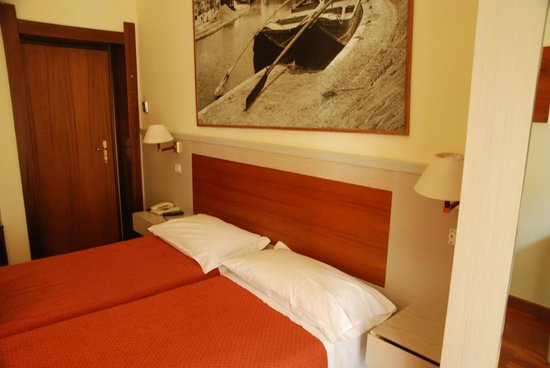 Hotel Rio: Room 40- basic but clean and new