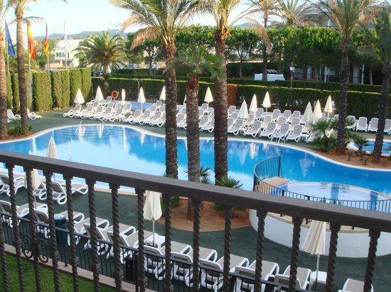 Inturotel Sa Marina: Quiet Pool Balcony View