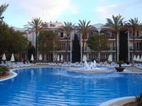Inturotel Sa Marina: Quiet Pool Hotel View