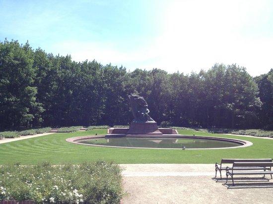 Parc Łazienki : Chopin's monument