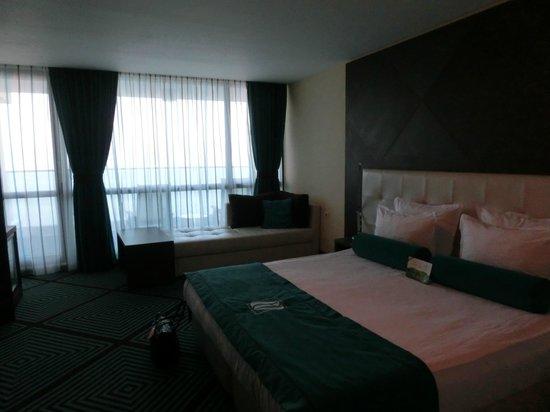 INTERNATIONAL Hotel Casino & Tower Suites: Sup. Zimmer Doppelbett