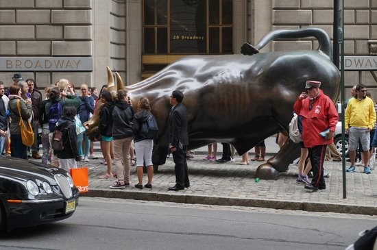 New York Stock Exchange: Bull on Wall Street