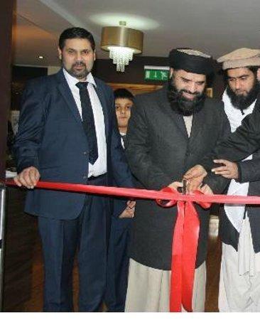Zaiqa  buffet: cutting the ribbon