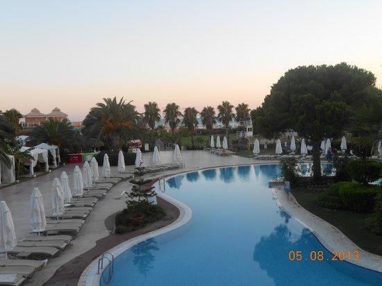 Jacaranda Club & Resort: ангелина