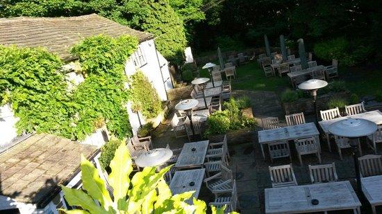 Restaurant at Shibden Mill Inn: Outside seating