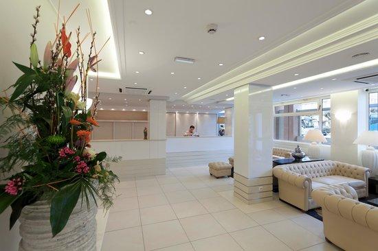 Lobby Hotel Paradis Lourdes