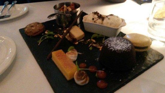 Restaurant at Shibden Mill Inn: Great tasting desserts to share